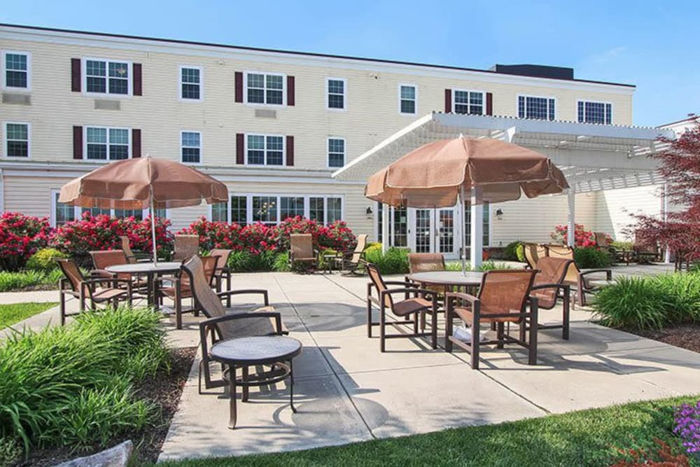 Shaded outdoor patio seating at Keystone Villa at Fleetwood in Blandon, Pennsylvania