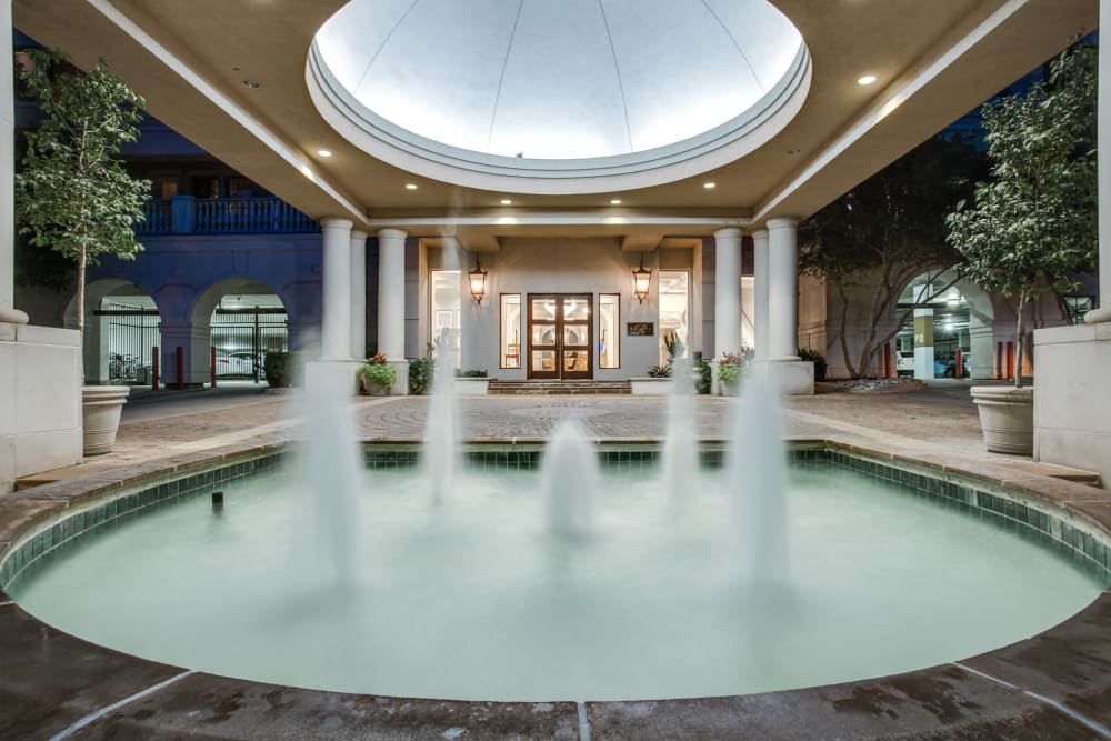 Water feature at Rienzi at Turtle Creek Apartments in Dallas, Texas