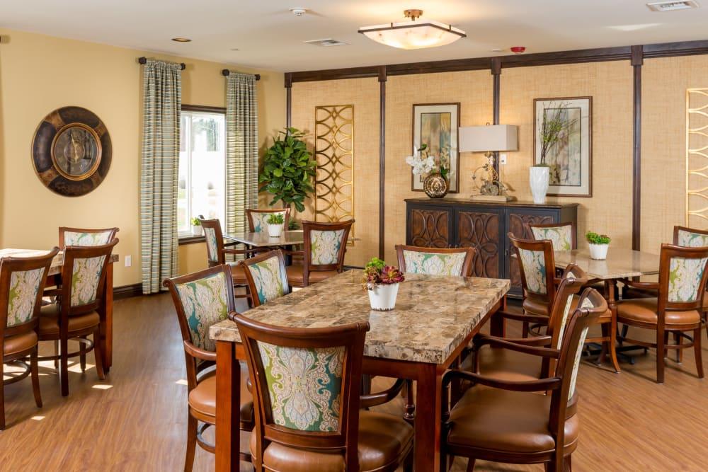 Dining table at Meridian at Stone Creek in Milton, Washington