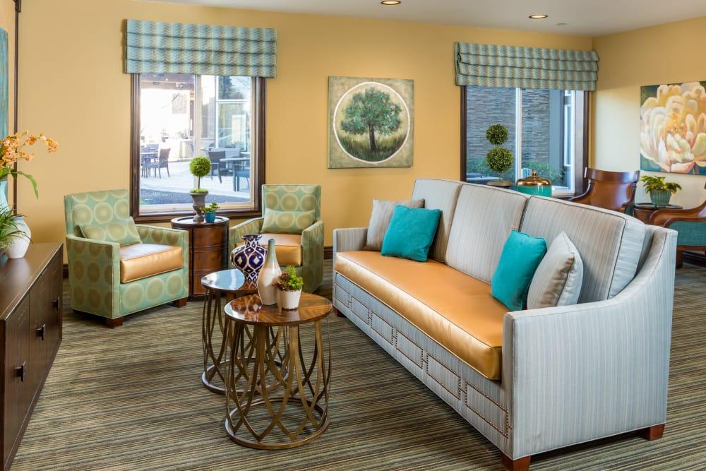 Lounge at Meridian at Stone Creek in Milton, Washington