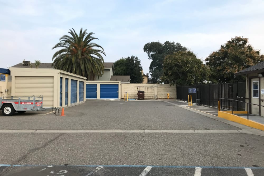 Storage Options from Storage Solutions in Manteca, California