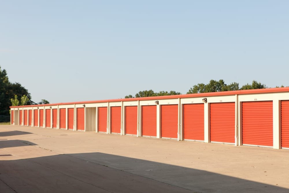 Easy access storage units at Summit Self Storage - Chapel Hill in Akron, Ohio