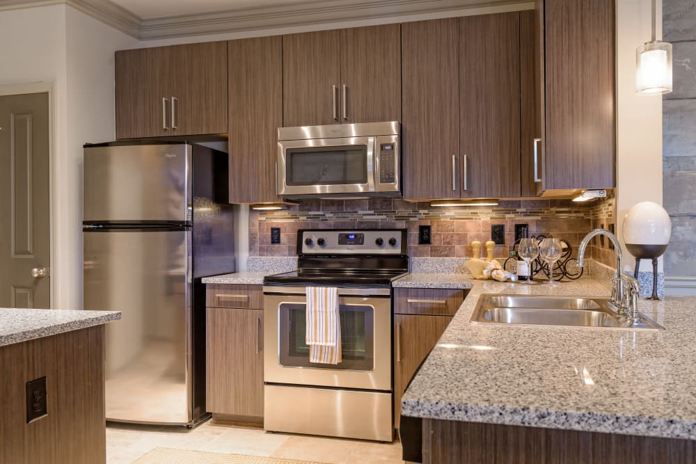 Fully equipped kitchen at The Heights at Old Peachtree in Suwanee, Georgia