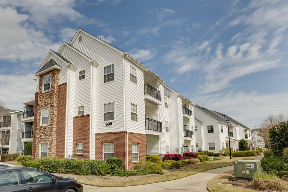 Beautiful white and terracotta exterior at Reserve at Long Point in Hattiesburg, Mississippi