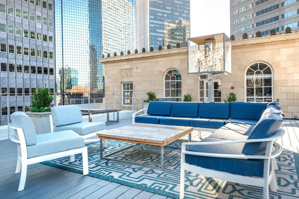 Our modern apartments in Dallas, Texas showcase a outdoor lounge