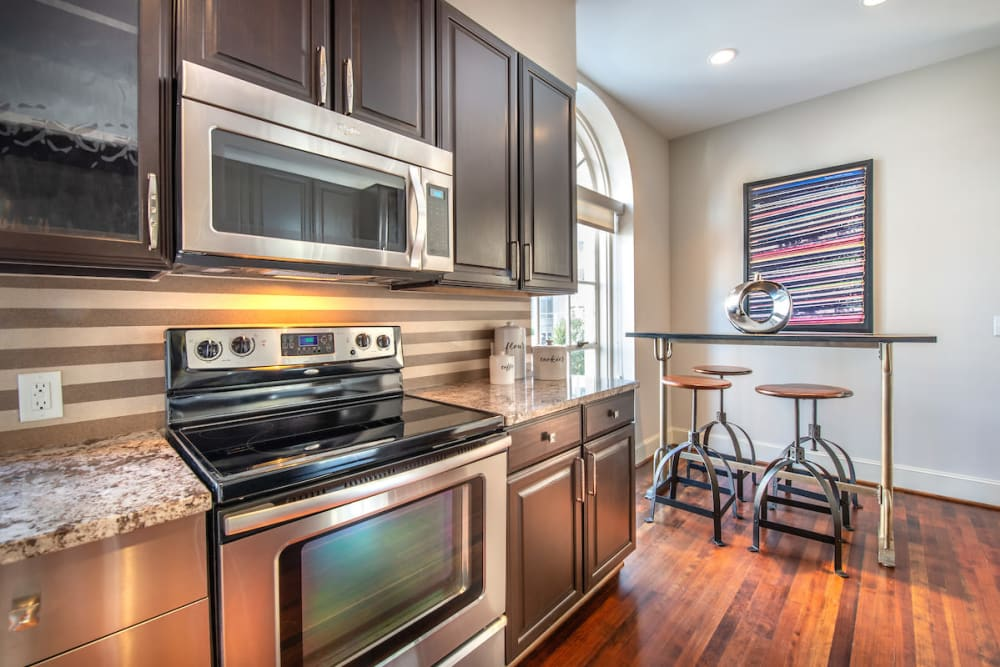 Our luxury apartments in Dallas, Texas showcase a kitchen