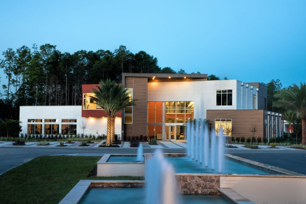 Luxor Club in Jacksonville, Florida offers beautiful fountains on exterior