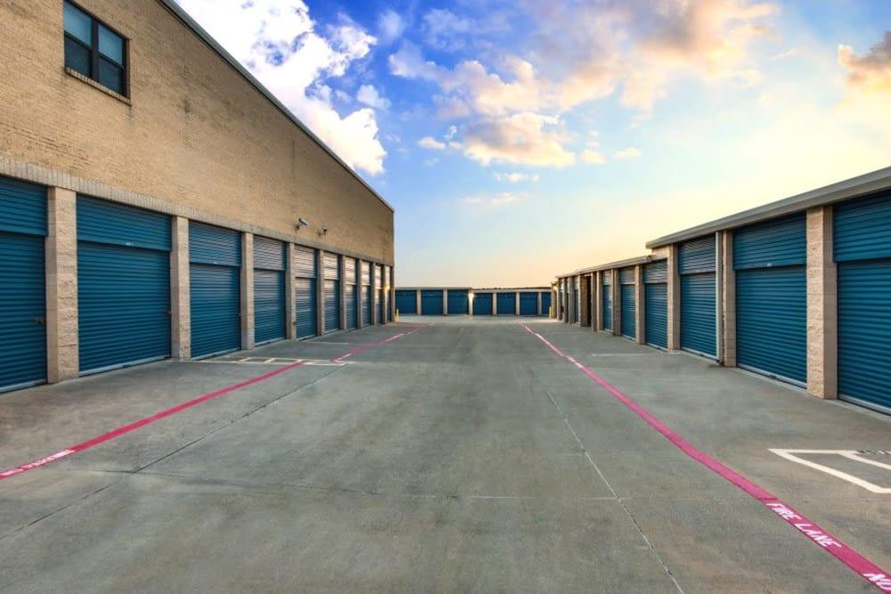 Self Storage East Lewisville Texas Advantage Storage