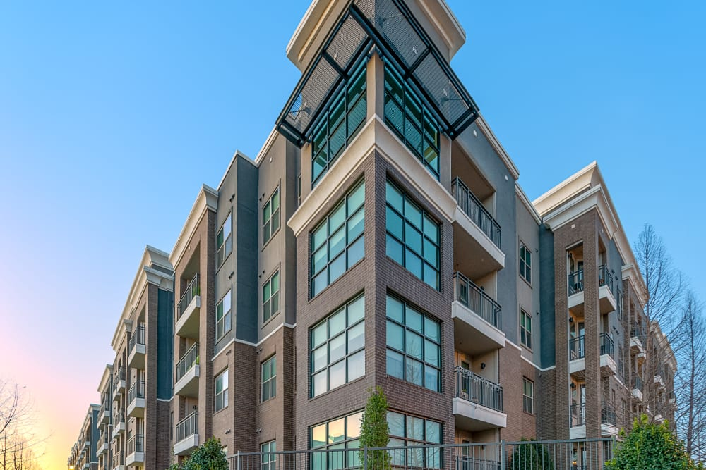 Exterior of apartments at Axis at Wycliff in Dallas, Texas
