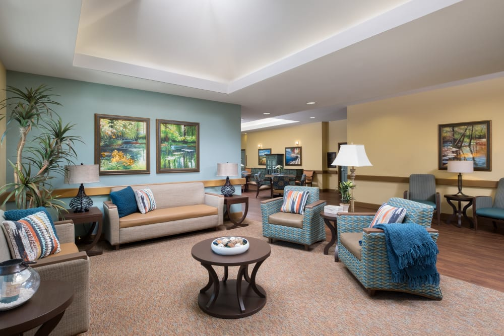 A lounge area for residents at Avenir Memory Care at Chandler in Chandler, Arizona