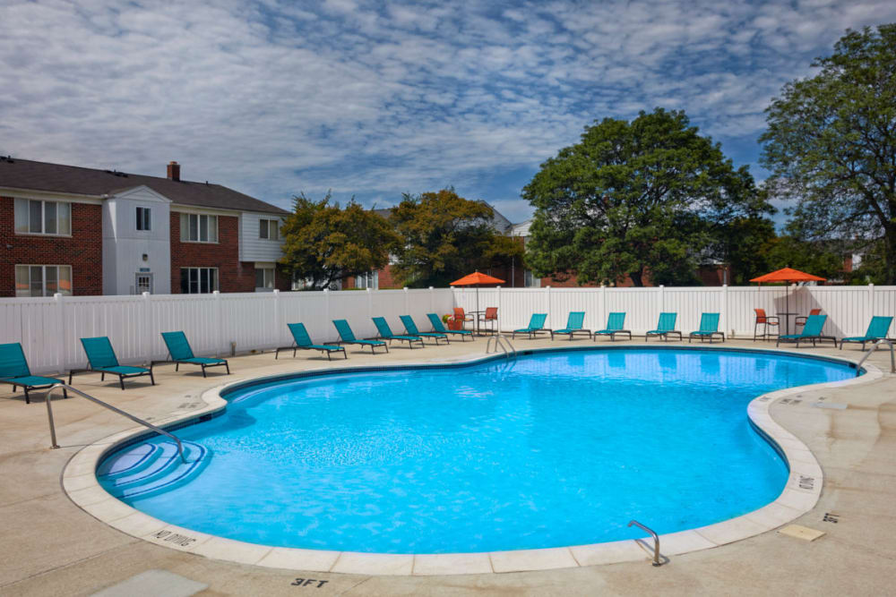 Large swimming pool in Warren, Michigan at Harlo Apartments