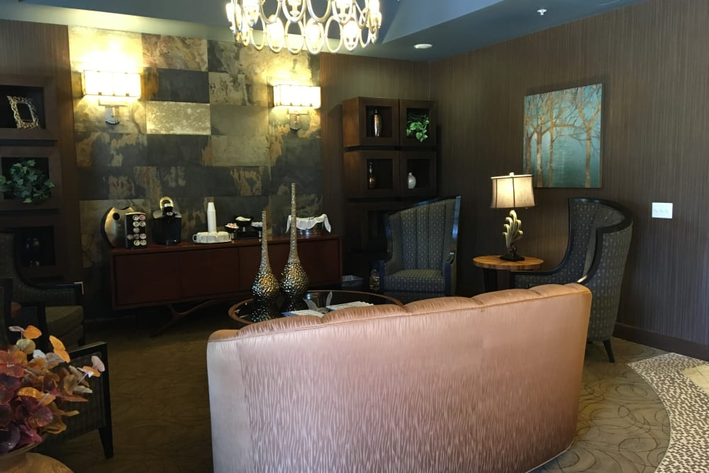 A lounge for residents at Avenir Memory Care at Scottsdale in Scottsdale, Arizona