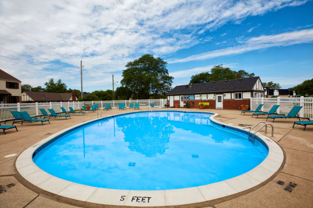 Sparkling swimming pool in Sterling Heights, Michigan at Maple Creek Apartments