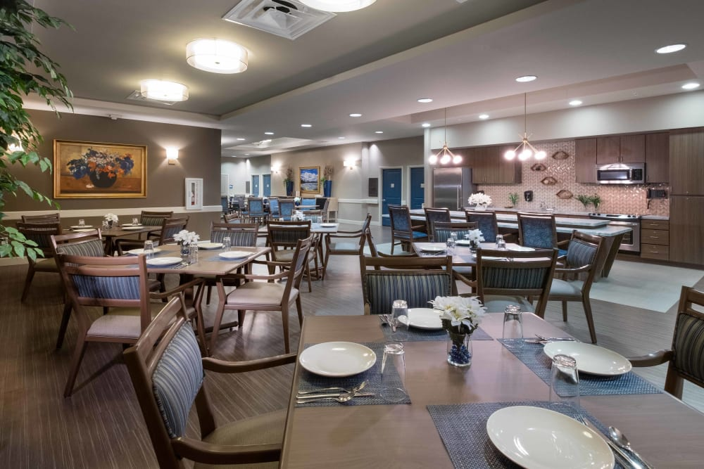 The large community dining room at Avenir Memory Care at Surprise in Surprise, Arizona