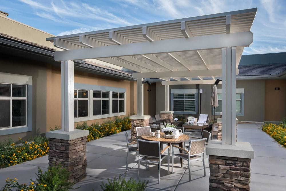 The common outdoor seating area at Avenir Memory Care at Surprise in Surprise, Arizona.