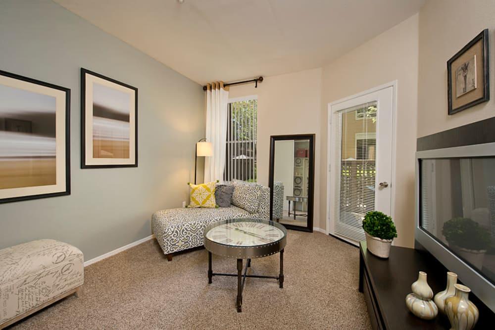 Living room with modern decor at Rosewalk in San Jose, California