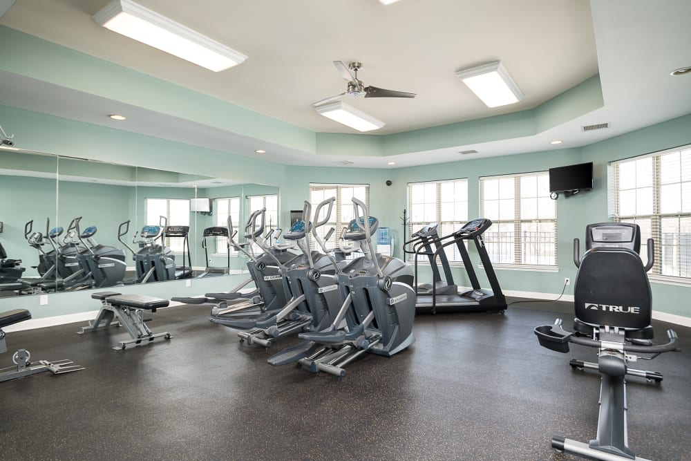 Large onsite fitness center with cardio machines at Valley Farms in Louisville, Kentucky