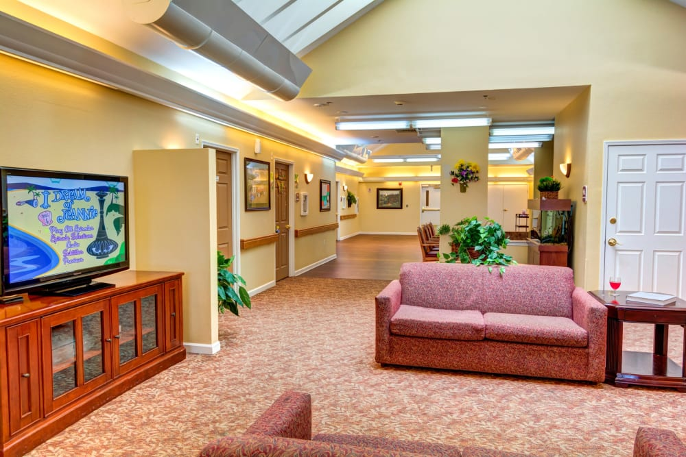 An entertainment area at Rosewood Memory Care in Hillsboro, Oregon