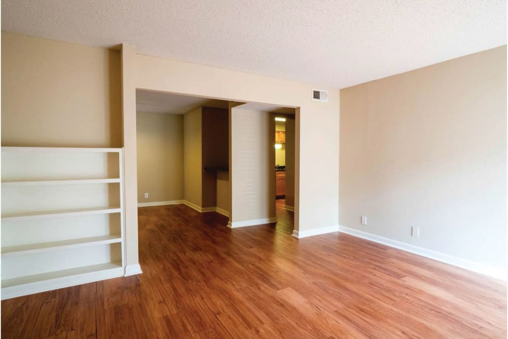 Hardwood floors in the living rooms at 865 Bellevue Apartments in Nashville, Tennessee.