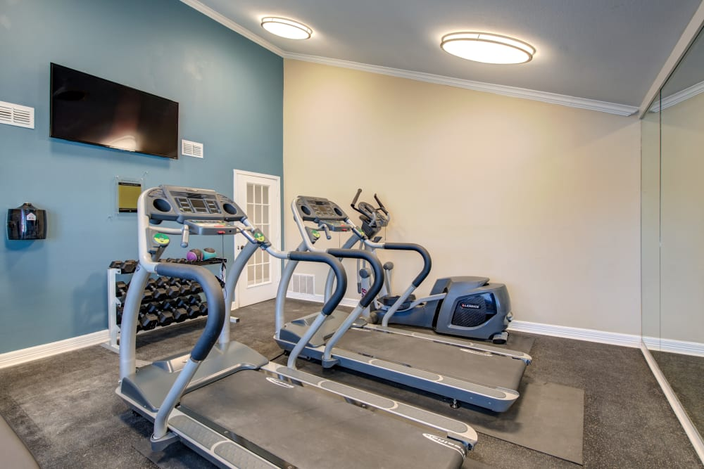 Enjoy an onsite fitness center at The Belmont in Grand Prairie, Texas