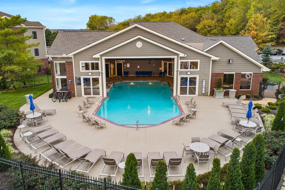 Enjoy Apartments with a Swimming Pool at Cornerstone Apartments