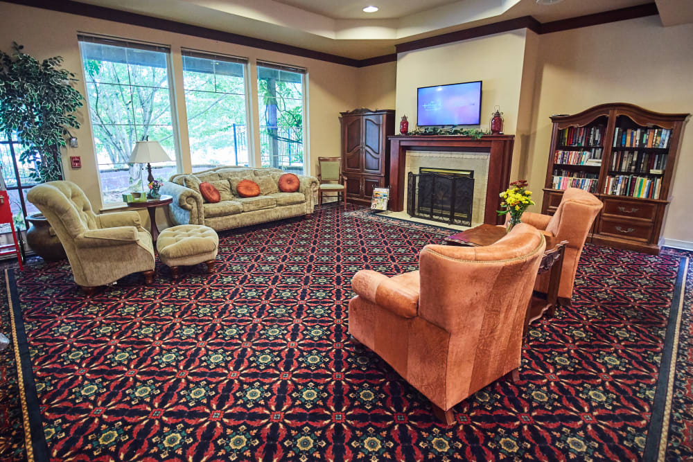 Seating area at Sweetbriar Villa in Springfield, Oregon
