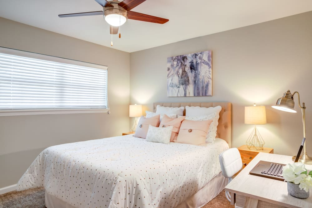 Beautiful Bedroom at Villages at Parktown Apartments in Deer Park, Texas