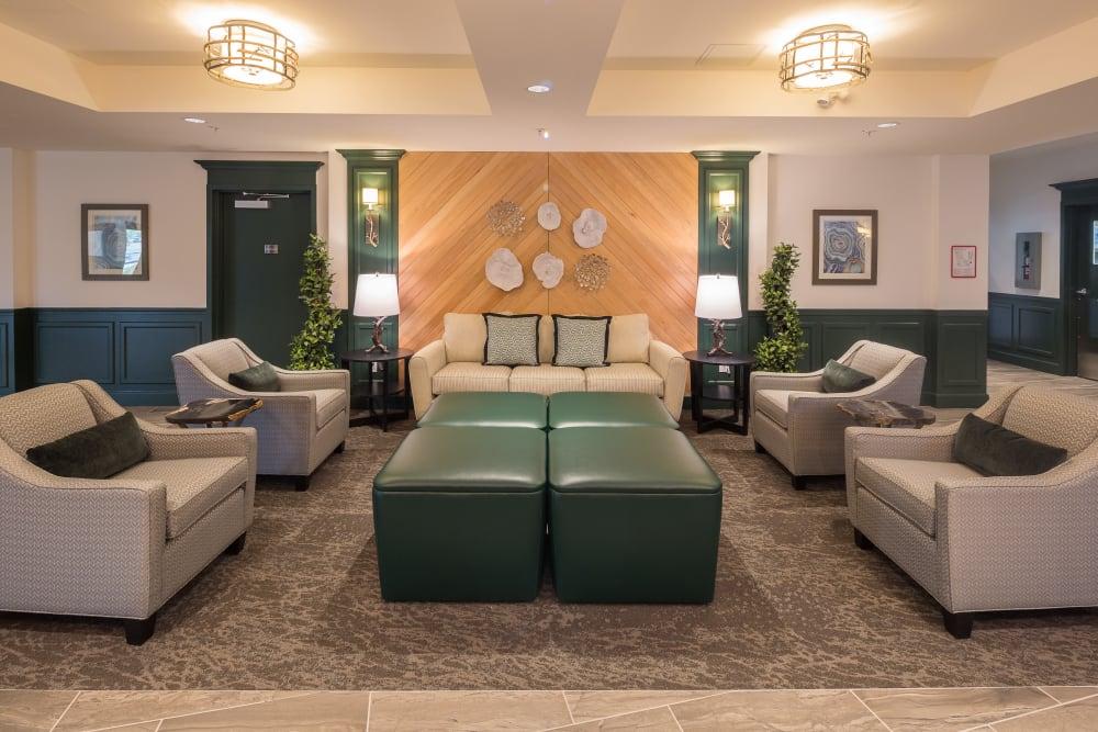 A lounge area at Avenir Memory Care at Nanaimo in Nanaimo, British Columbia