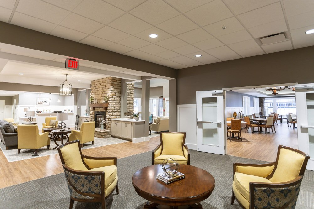 Lounge seating near the dining room at Heritage Crossing in Akron, Ohio