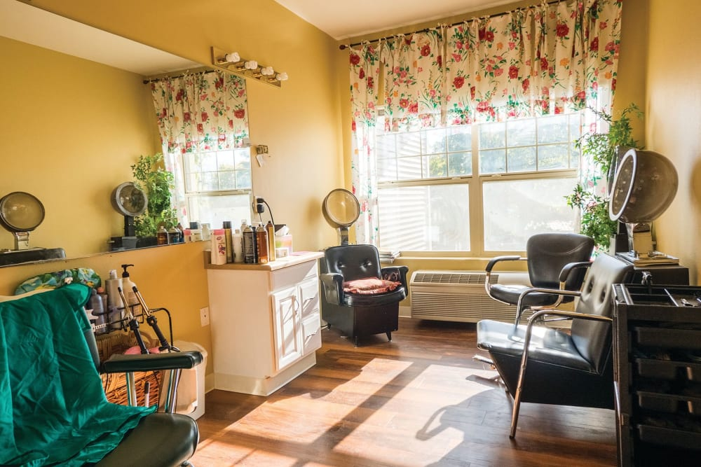 The salon at Lakeland Senior Living in Eagle Point, Oregon