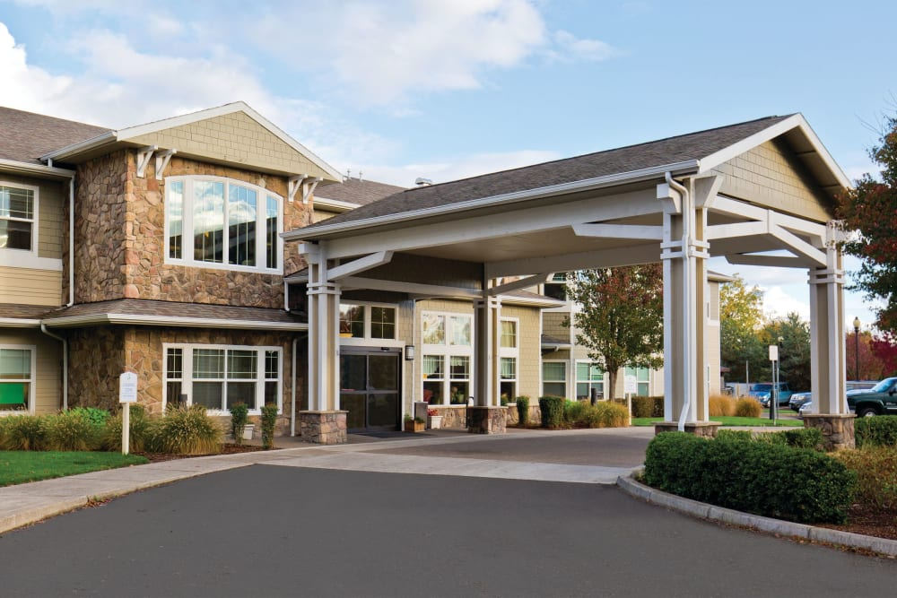 Exterior of Meadowlark Senior Living in Lebanon, Oregon