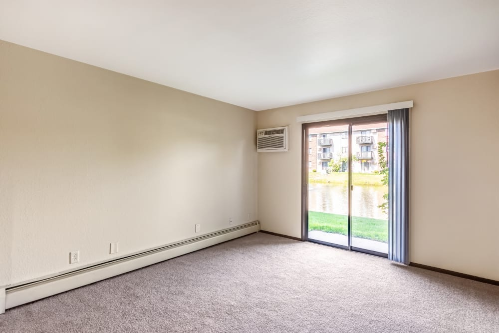 Spare room layout at Oldebrook Apartments in Wyoming, Michigan
