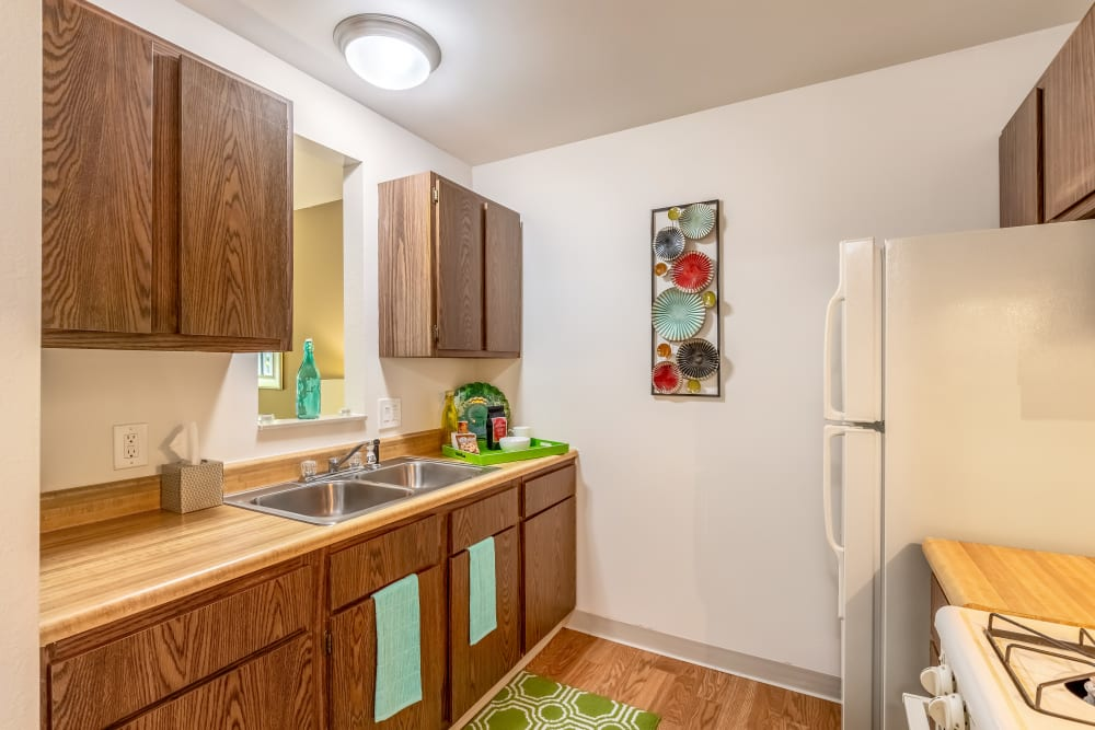 Cute kitchen at Oldebrook Apartments in Wyoming, Michigan