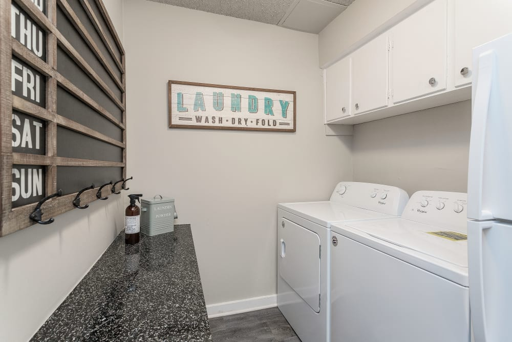 Hickory Creek Apartments & Townhomes in Nashville, Tennessee offers Apartments with a Washer/Dryer