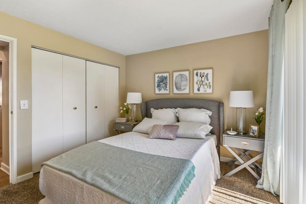 Master bedroom with a large closet at Hidden Creek Apartment Homes in Columbus, Ohio
