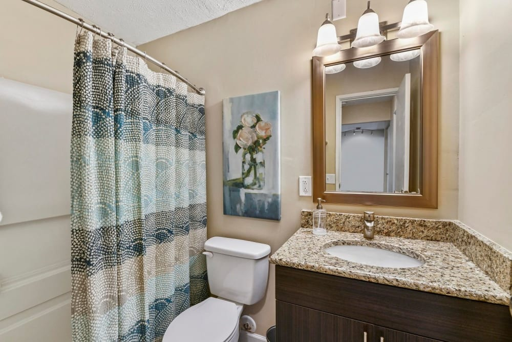 Bathroom with circular tub at Hidden Creek Apartment Homes in Columbus, Ohio