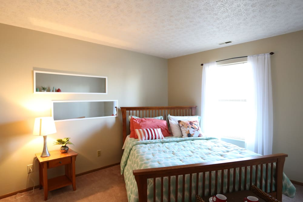 Large master bedroom at Bolton Estates Apartments in Columbus, Ohio