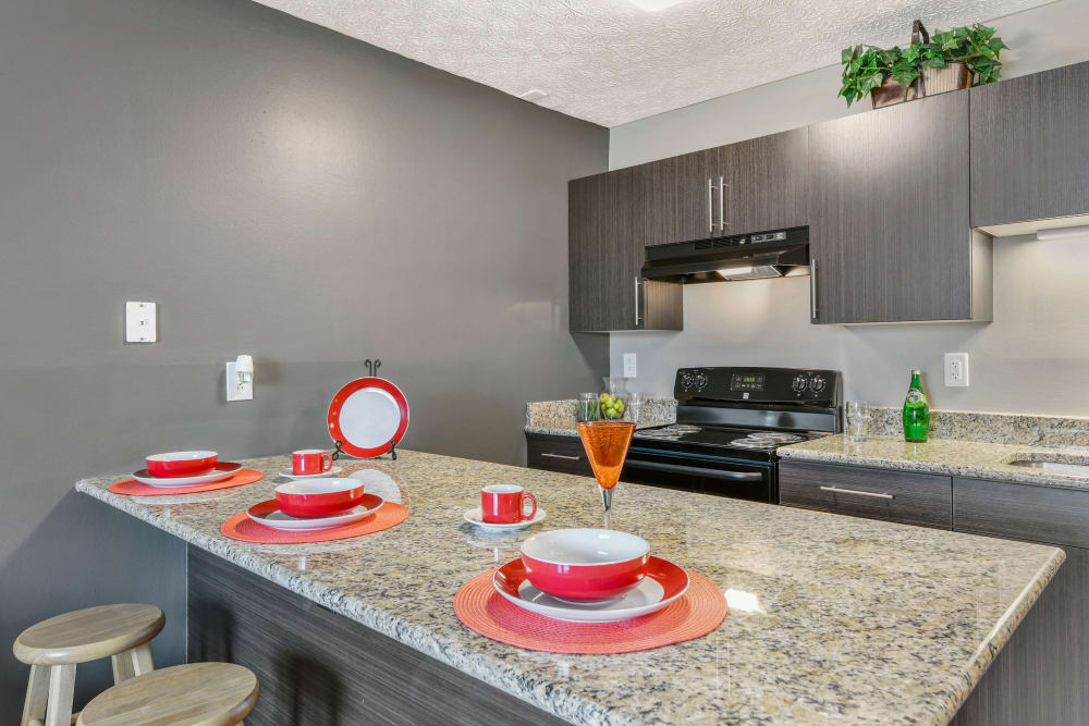 Kitchen with a spacious breakfast bar at Bolton Estates Apartments in Columbus, Ohio