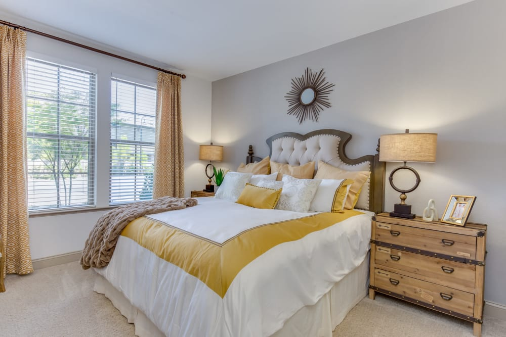 Large bedroom at The Loree in Jacksonville, Florida