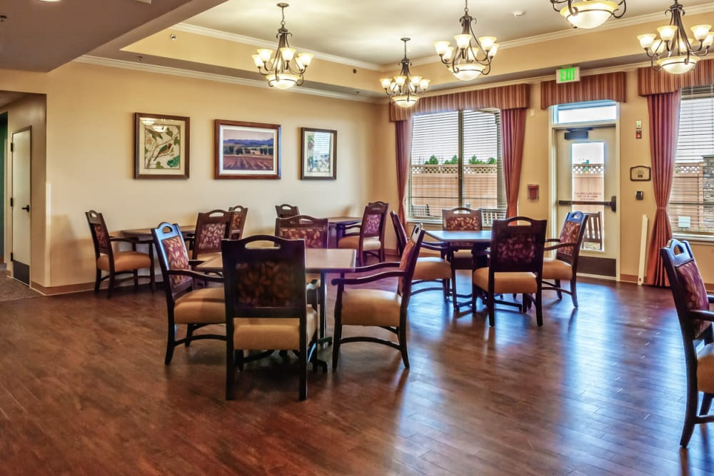 A large dining room at Touchmark at Meadow Lake Village in Meridian, Idaho