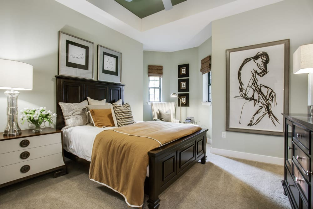 Cozy carpeted bedroom at Cantabria at Turtle Creek in Dallas, Texas