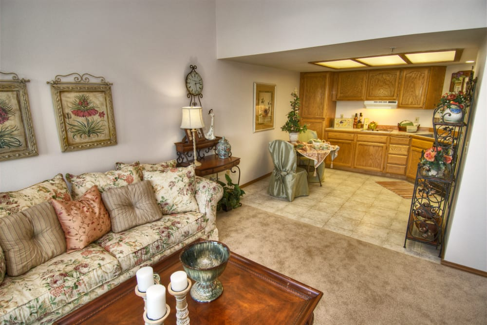 A cozy living room near the kitchen at Touchmark on South Hill in Spokane, Washington