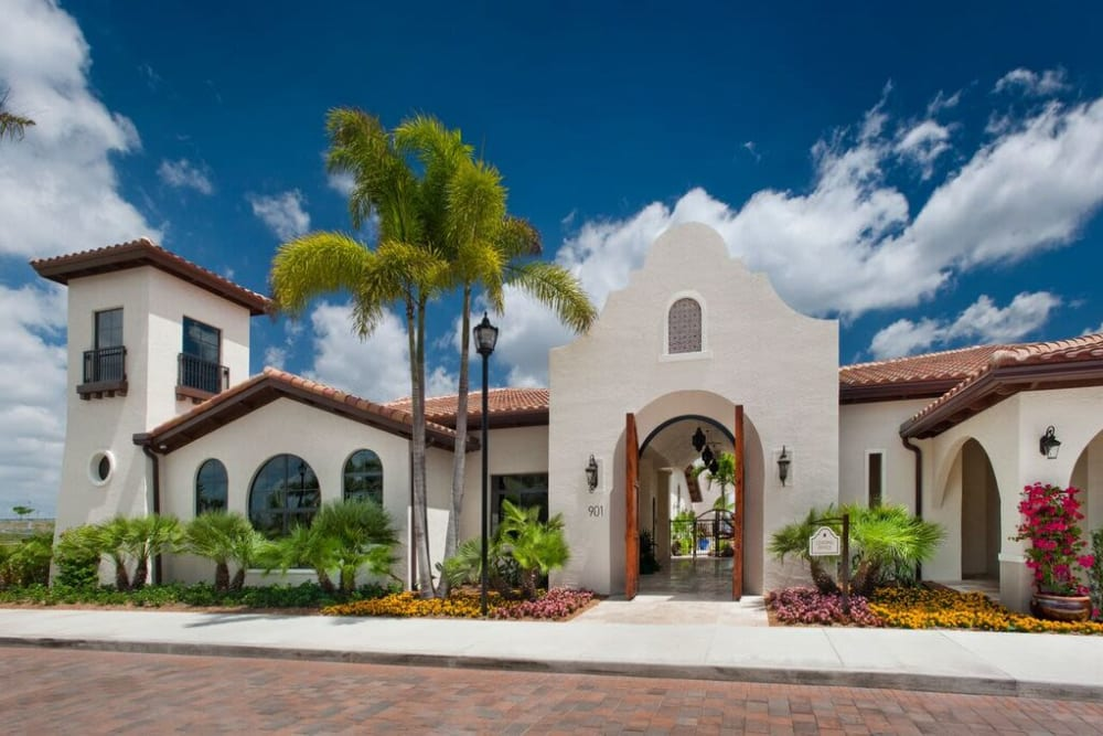Exterior view of the leasing center at Doral View Apartments in Miami, Florida