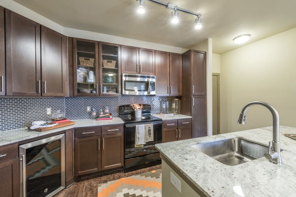 Fully equipped kitchen at Aviator West 7th in Fort Worth, Texas