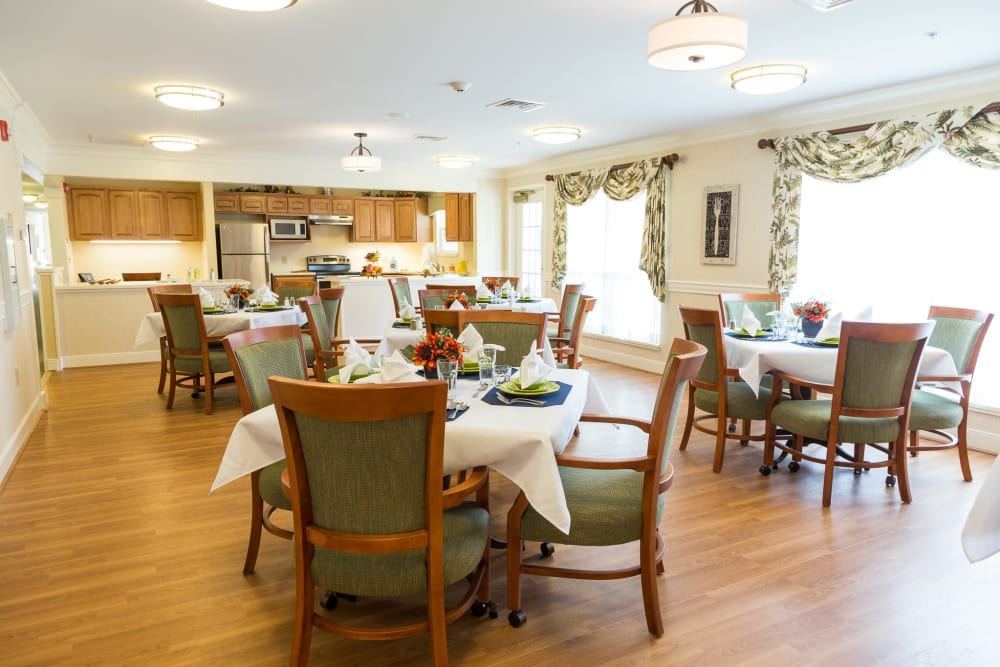 The dining room at Artis Senior Living of Yardley in Yardley, Pennsylvania