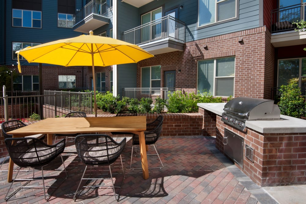 Courtyard grilling station at City View Vinings in Atlanta, Georgia