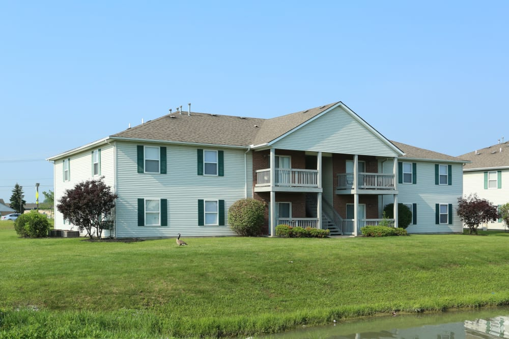 Exterior view of one of the resident buildings at Stratford Lakes Apartments in Canal Winchester, Ohio