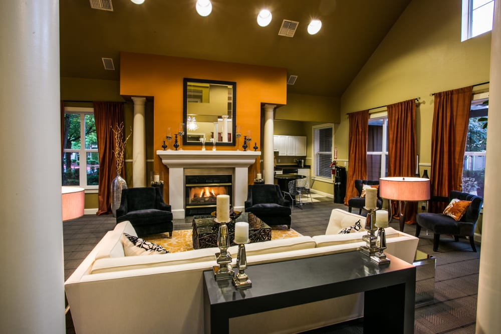 Interior of The Colonnade Luxury Townhome Rentals' clubhouse in Hillsboro, Oregon