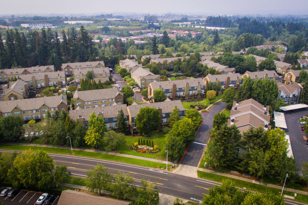 View of The Colonnade Luxury Townhome Rentals' complex in Hillsboro, Oregon