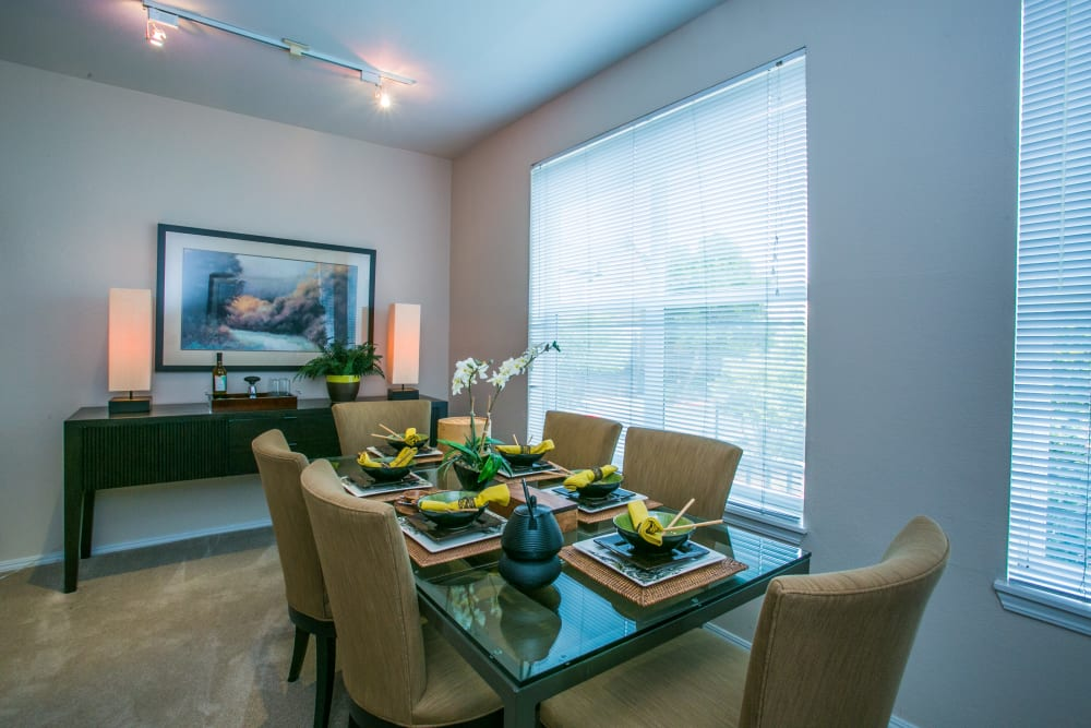 Dining room table at The Colonnade Luxury Townhome Rentals in Hillsboro, Oregon